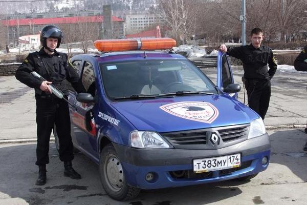 Настойчивых посетителей выводила охрана - Блок - Частное охранное предприятие